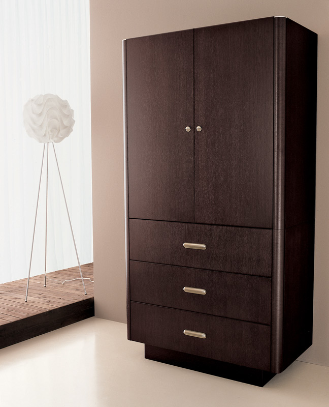 Florence armoire wenge modern digs furniture for Armoire penderie wenge